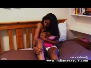 Alisha Solo indian girl masturbation in Webcam