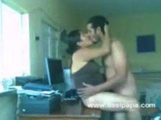 Muslim Couple Nawaz and Hira Have Sex On Table.3GP