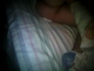 su gran cola mientras duerme..