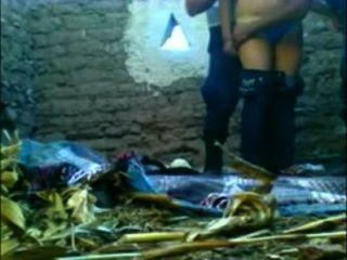 CHOLA Cacha con 2 serranazgo pa ke no la Desalojen de choza