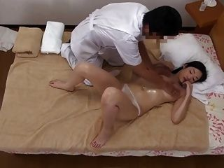 Delivery Oil Massage Young Wife Ryu (censored)