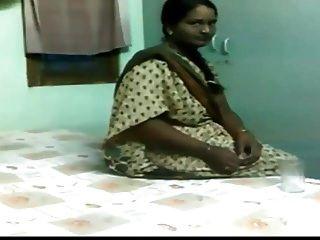 NORTH INDIAN calcutta VILLAGE desi milf OLD Mature horny COU